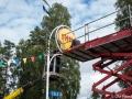 Shell-skylten till skyltstolpen sätts upp 2017-09-15