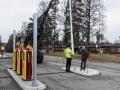 Stora Shell-skyltens stolpe sätts upp 2017-03-14