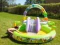 Alvins pool i trädgården