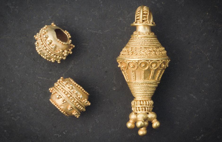 Dalstorp-en-husfrus-smycken-Vg